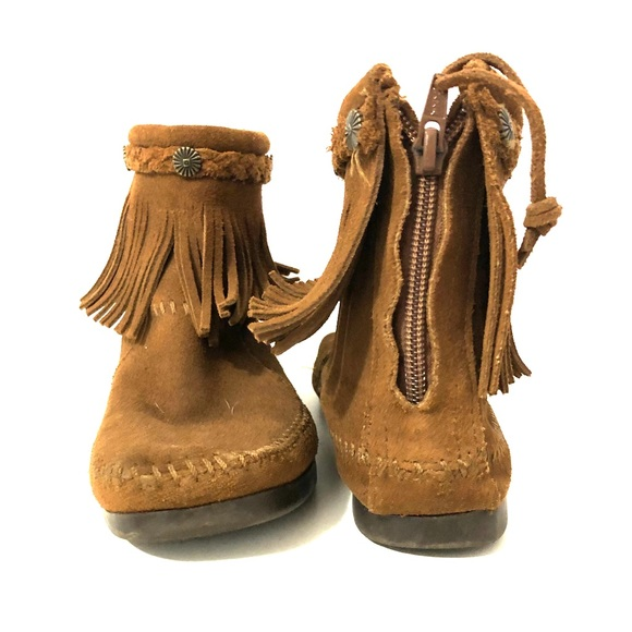 Rubber soled moccasins size 6